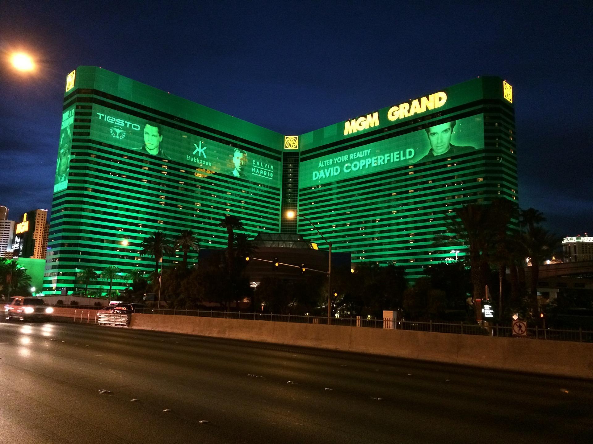 The History Of The Mgm Grand And Mgm Signature Las Vegas Condos Las Vegas High Rise Condo Living Savi Realty
